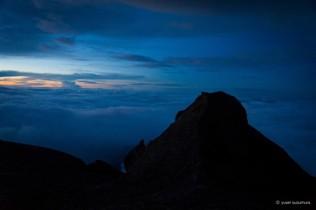 キナバル夜明け前