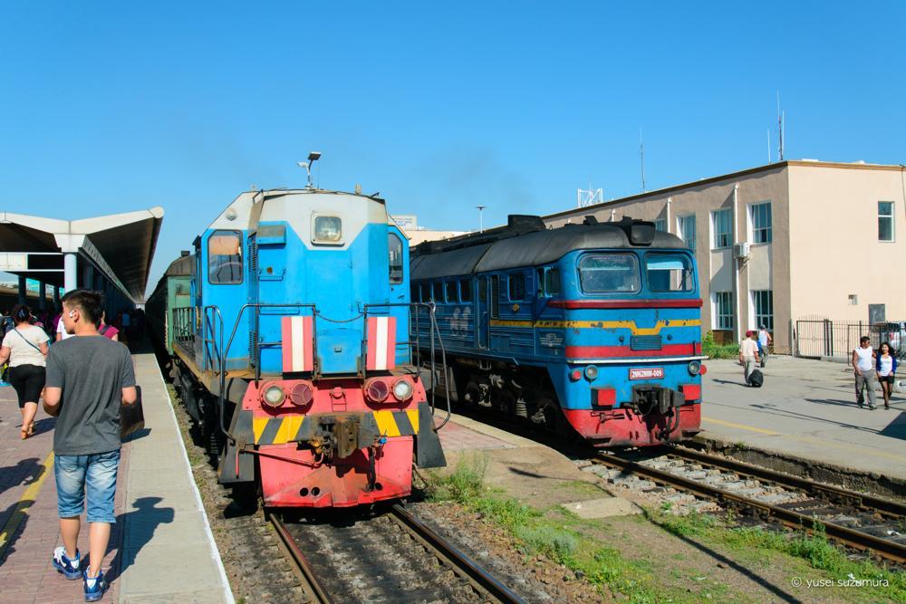 モンゴル 列車