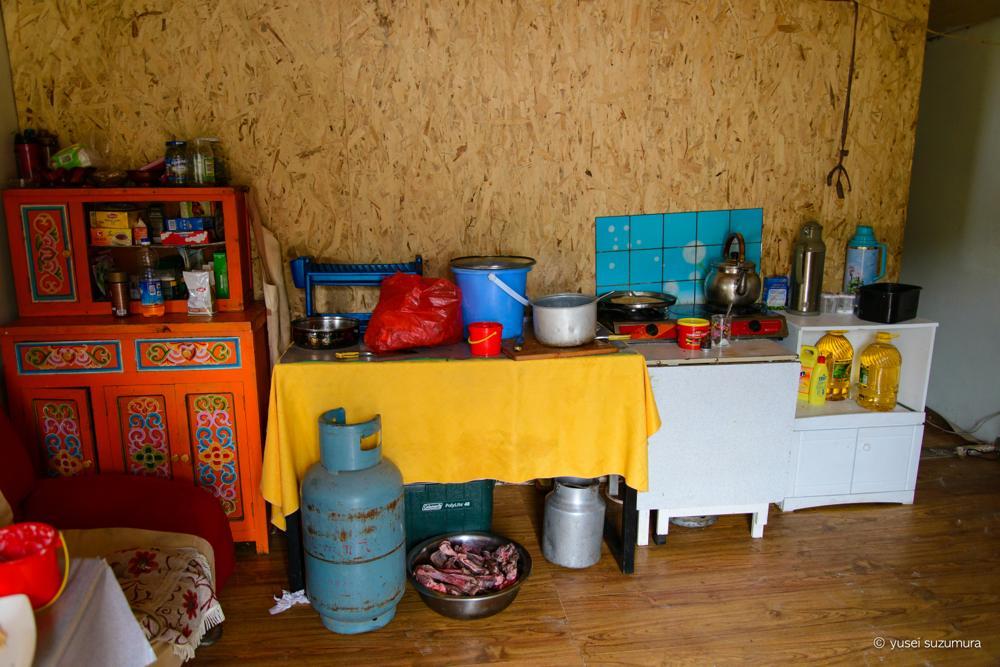 モンゴル 台所