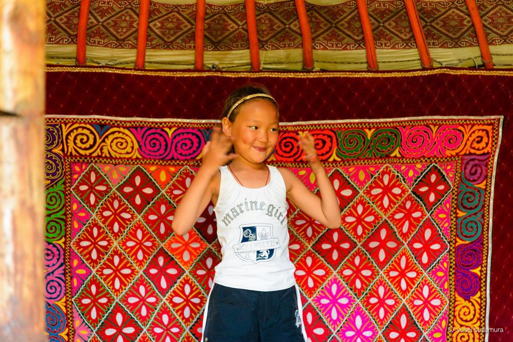 モンゴル 伝統的な踊り