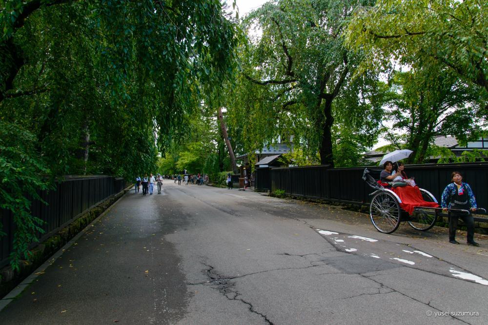 角館の道端