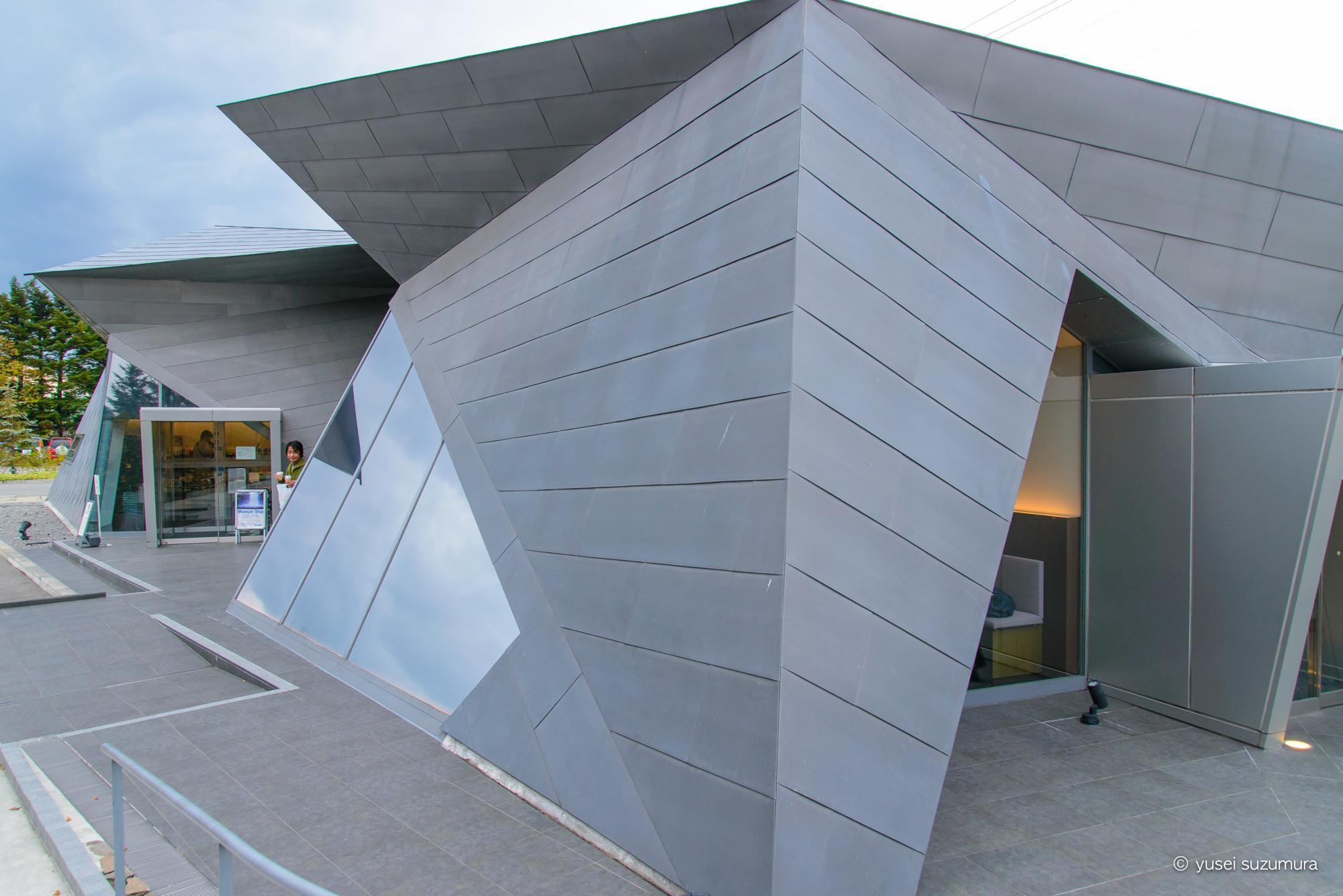軽井沢千住博美術館のカフェ・ショップ棟の建築