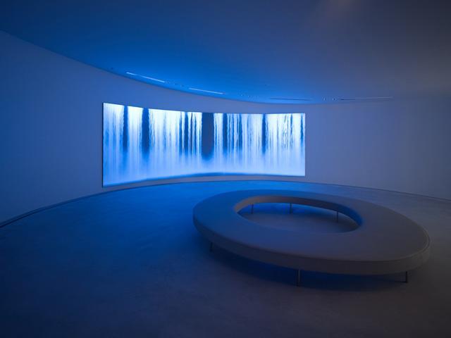 軽井沢千住博美術館。存命中の芸術家と建築家のコラボレーション。