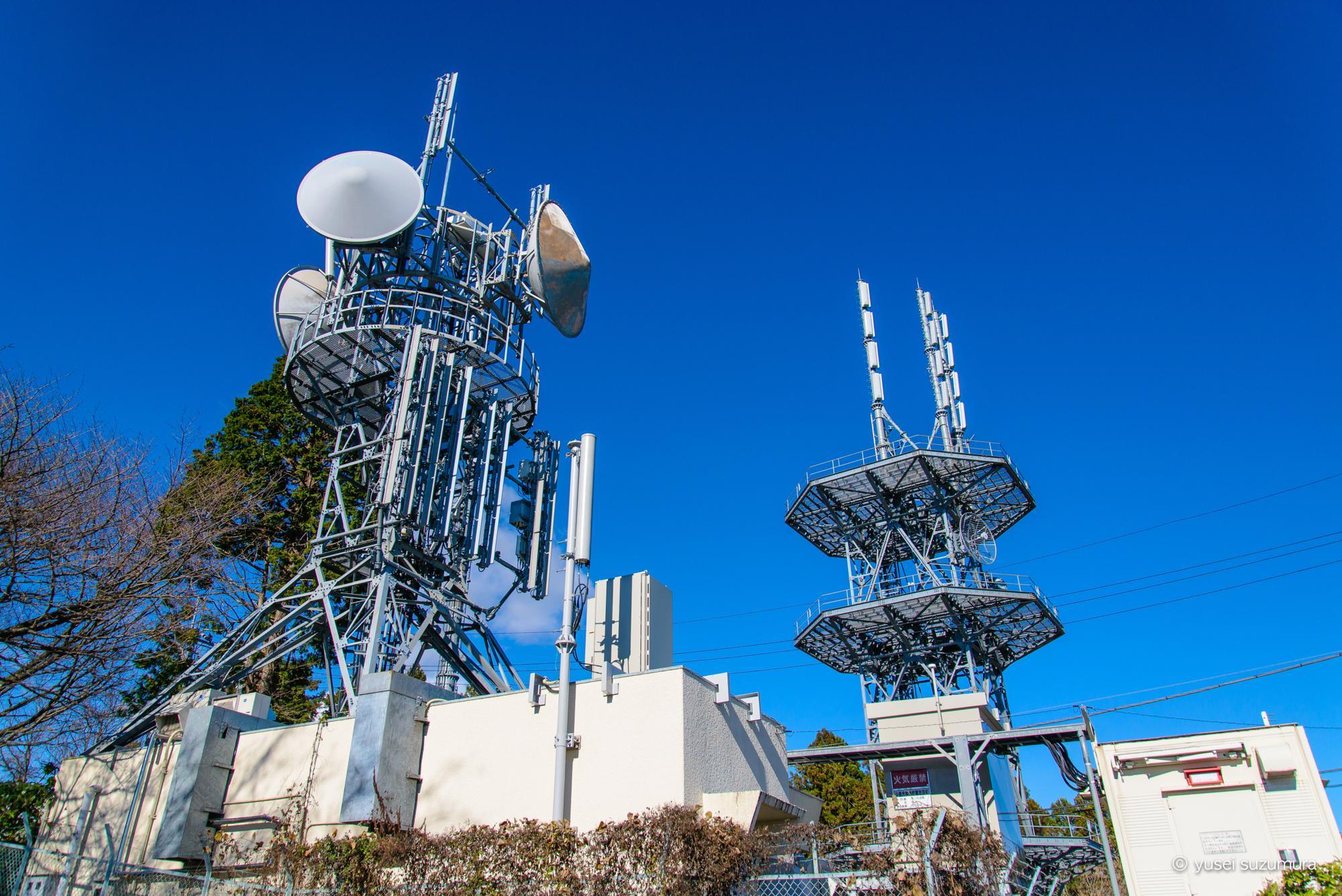 小仏城山の電波塔