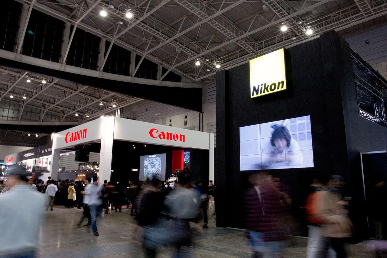一体どっちがいいんだ!ニコンもキャノンも使った僕だからわかるそれぞれのカメラの特徴。