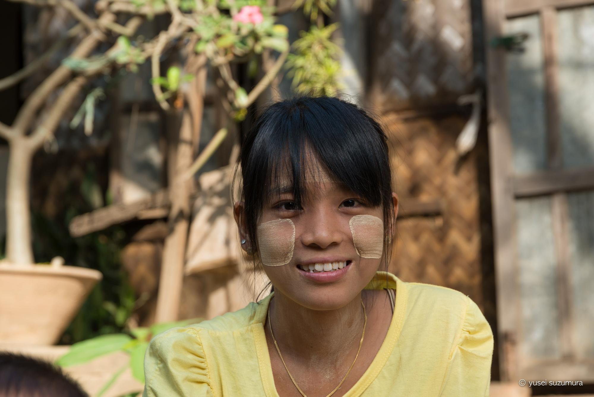 ミャンマー 少女