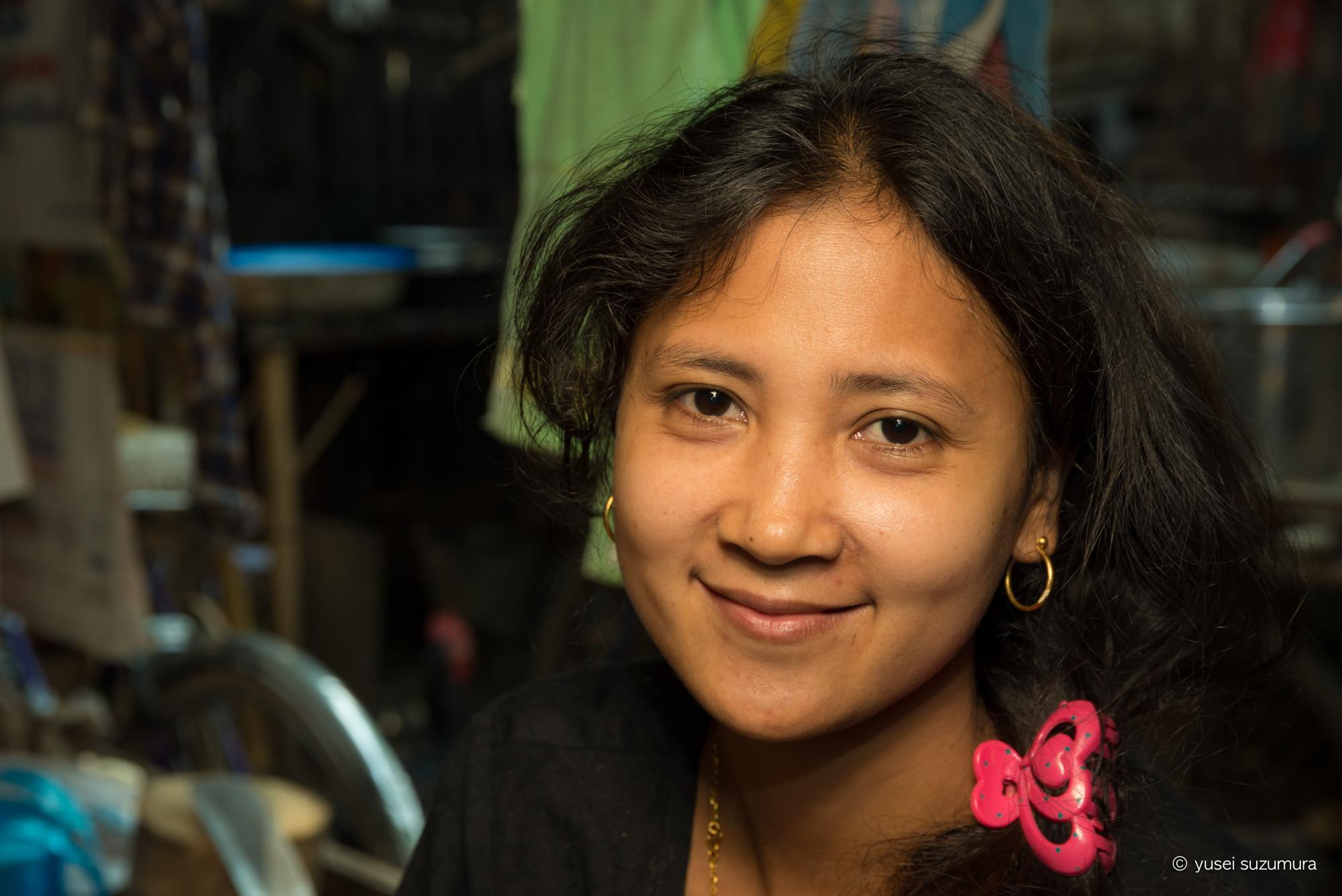 ミャンマー 女性
