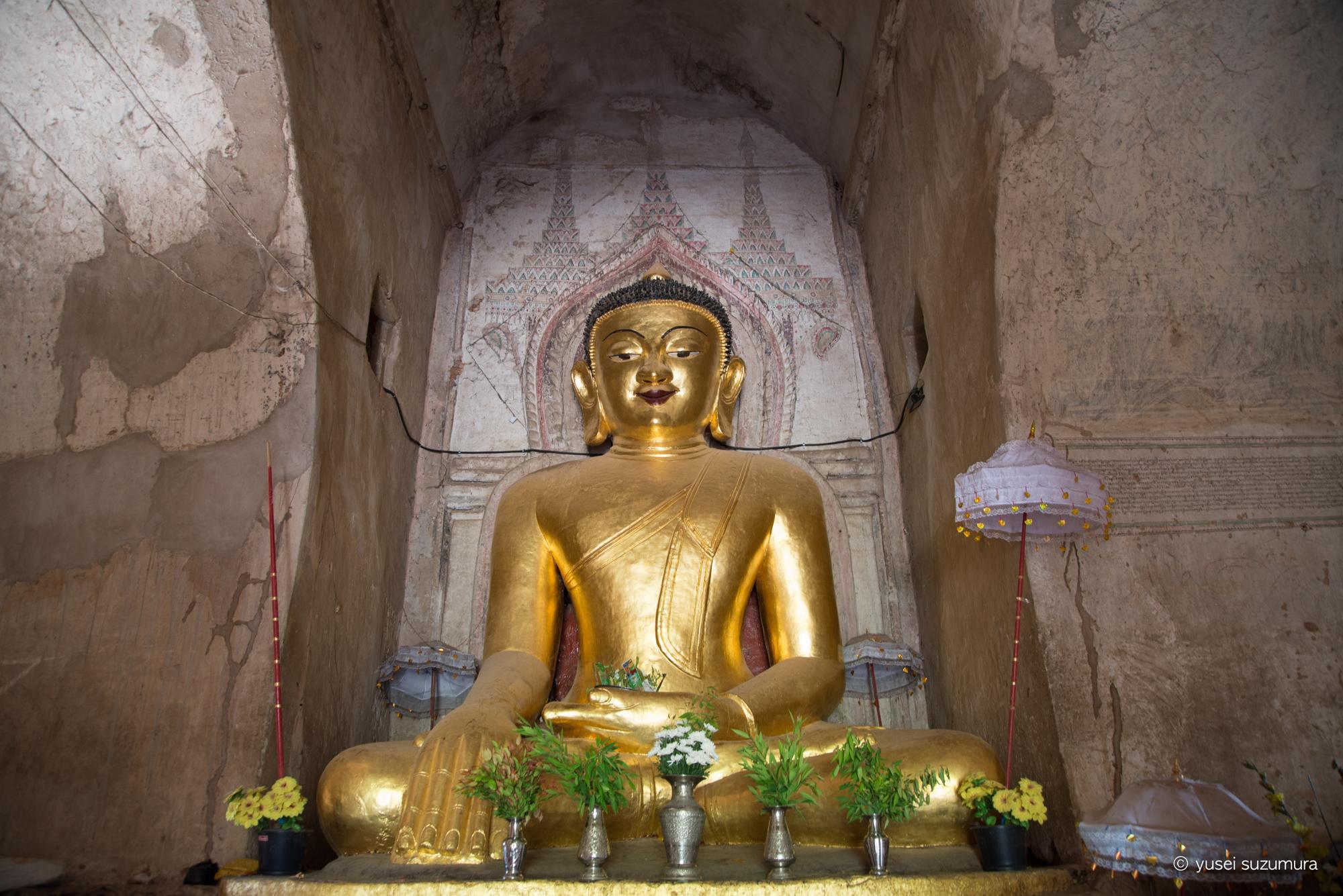 バガン 遺跡 仏像