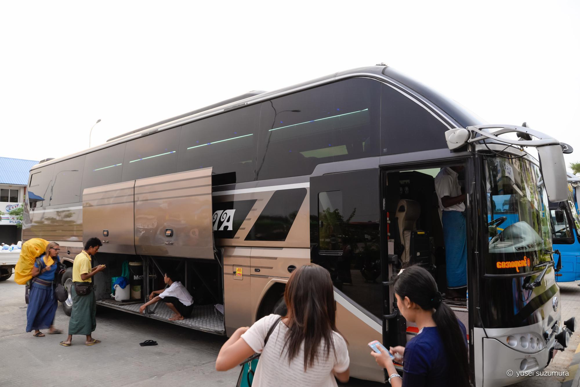 バガン インレー湖 夜行バス
