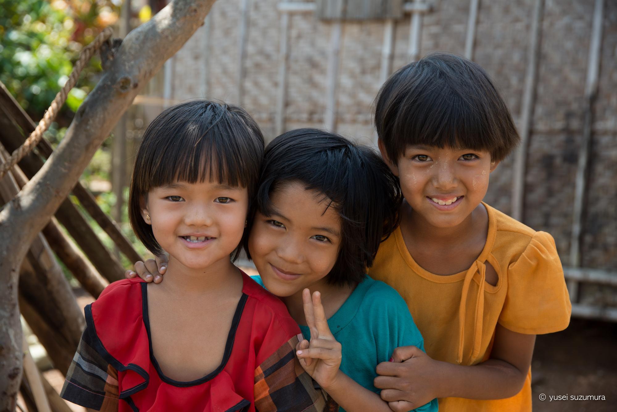 ミャンマー 笑顔 インレー湖