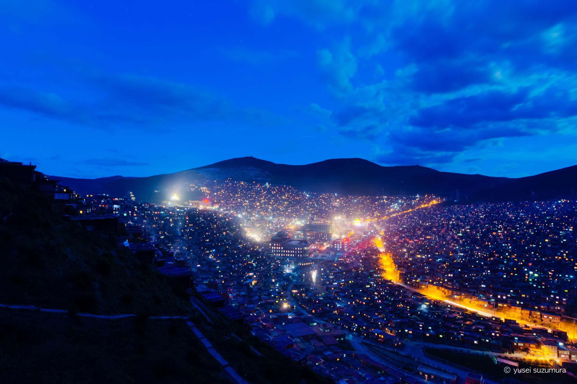 ラルンガルゴンパ 夜景