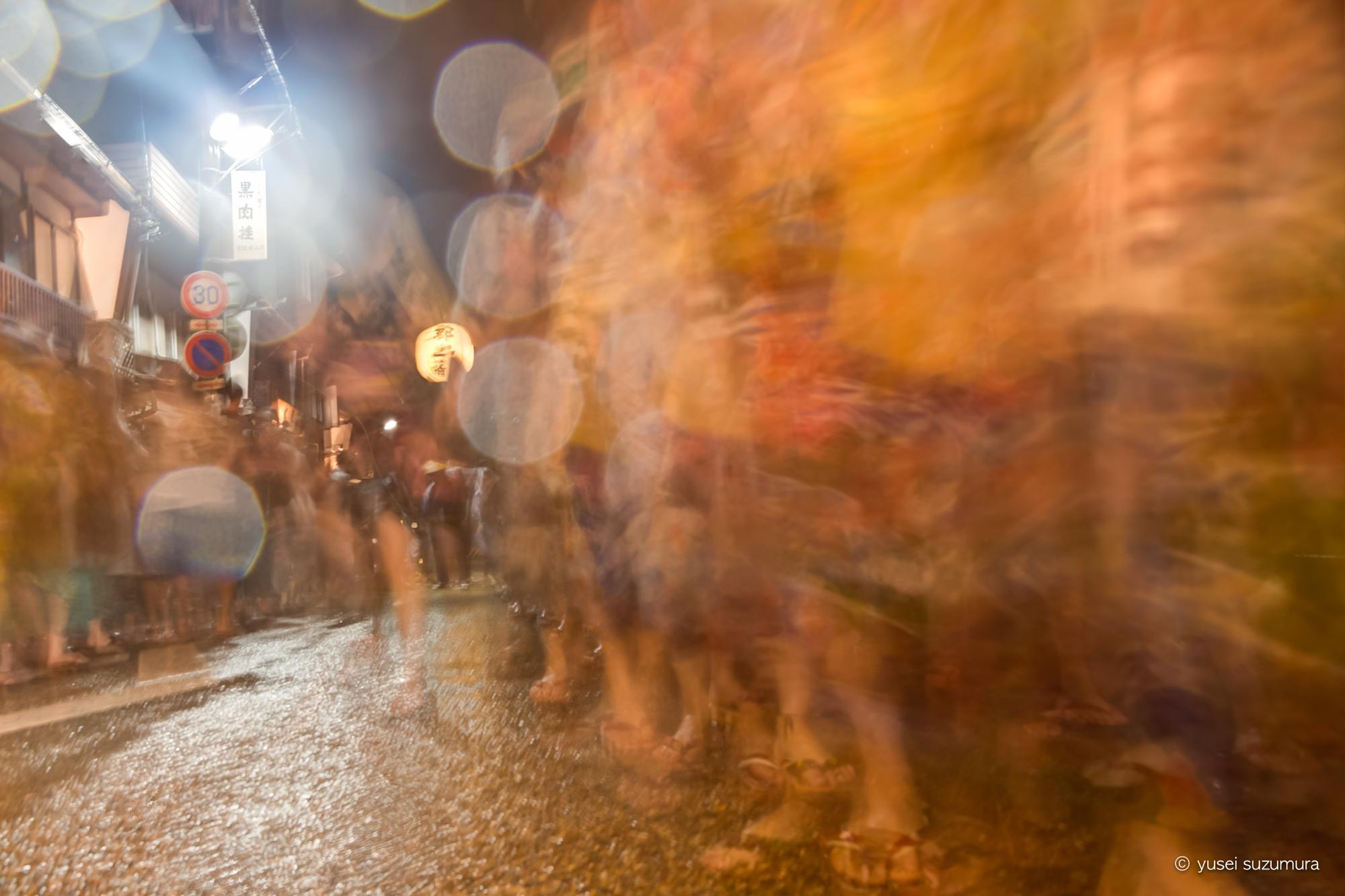 土砂降りの徹夜踊り