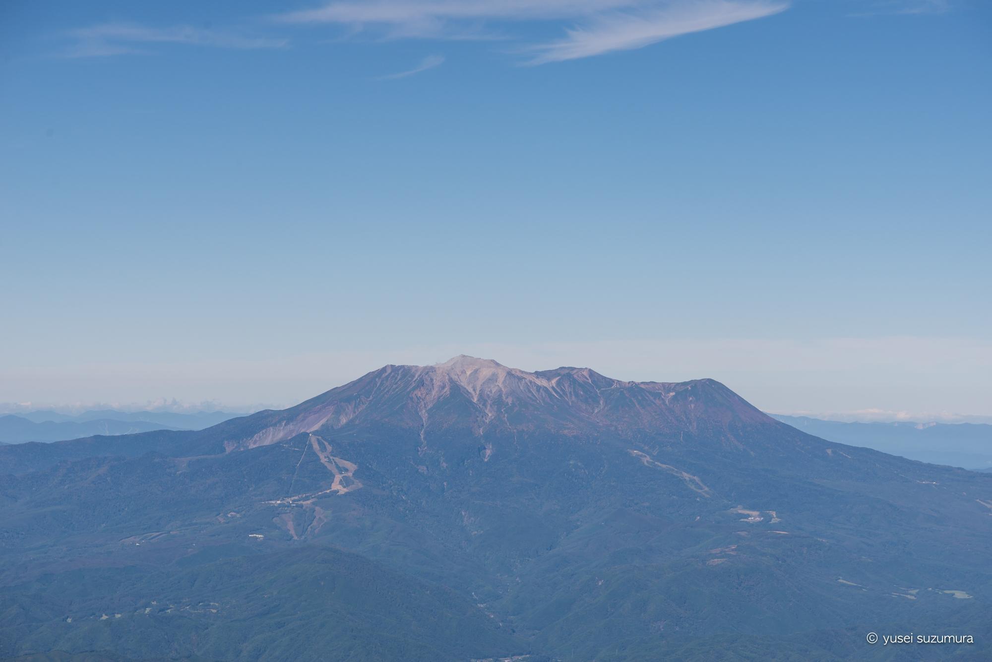 木曽駒ヶ岳から見る御岳山
