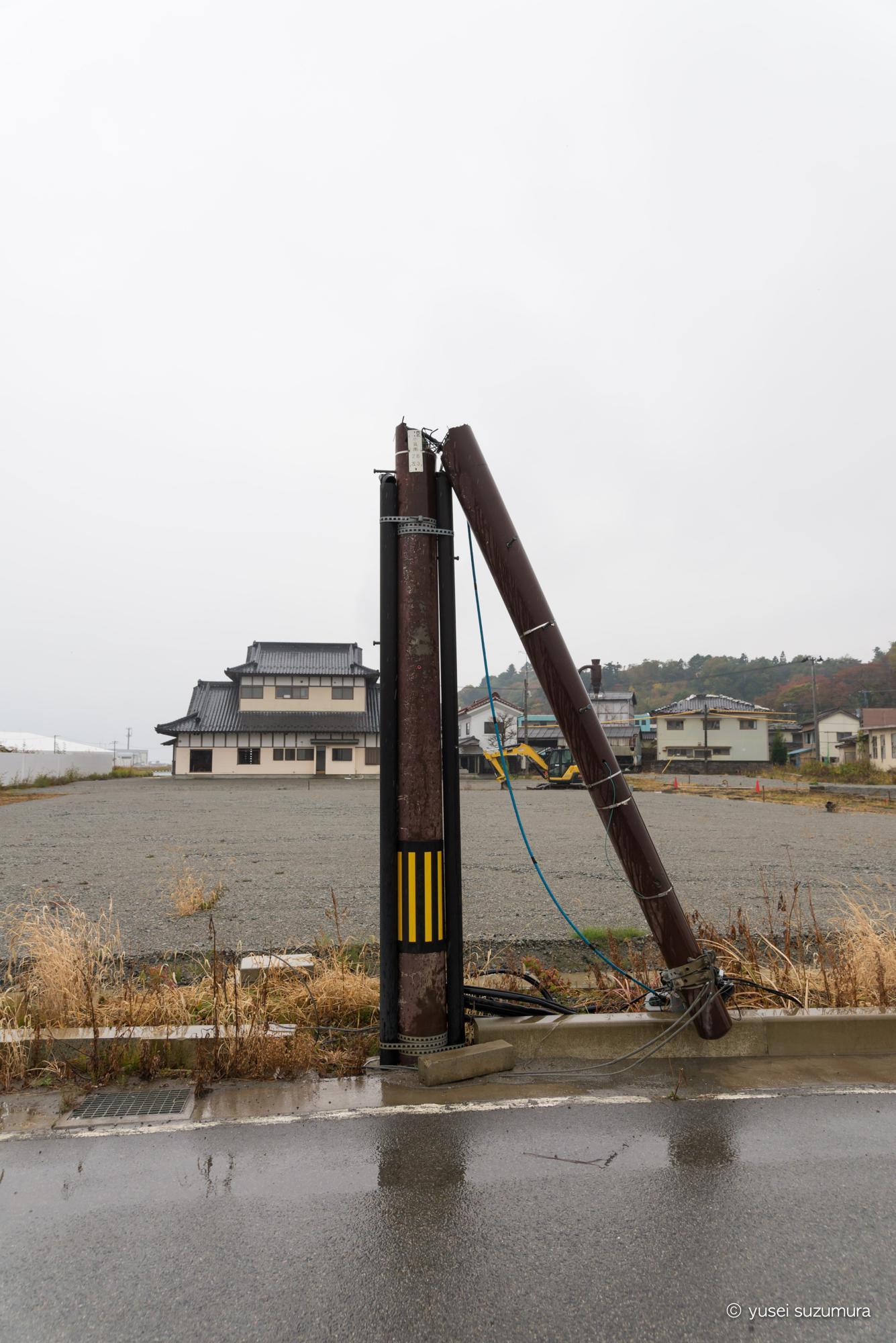 電柱 折れる 震災