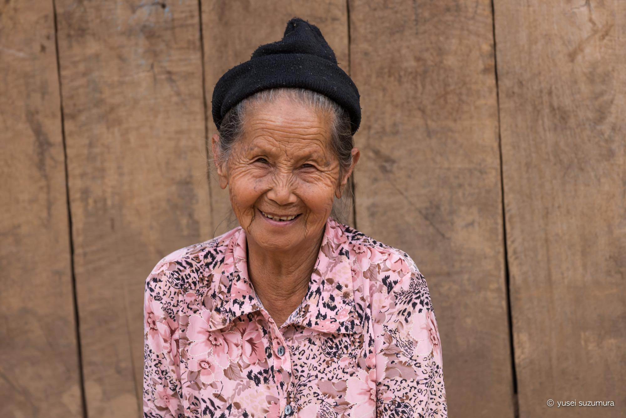 モン族 おばあちゃん