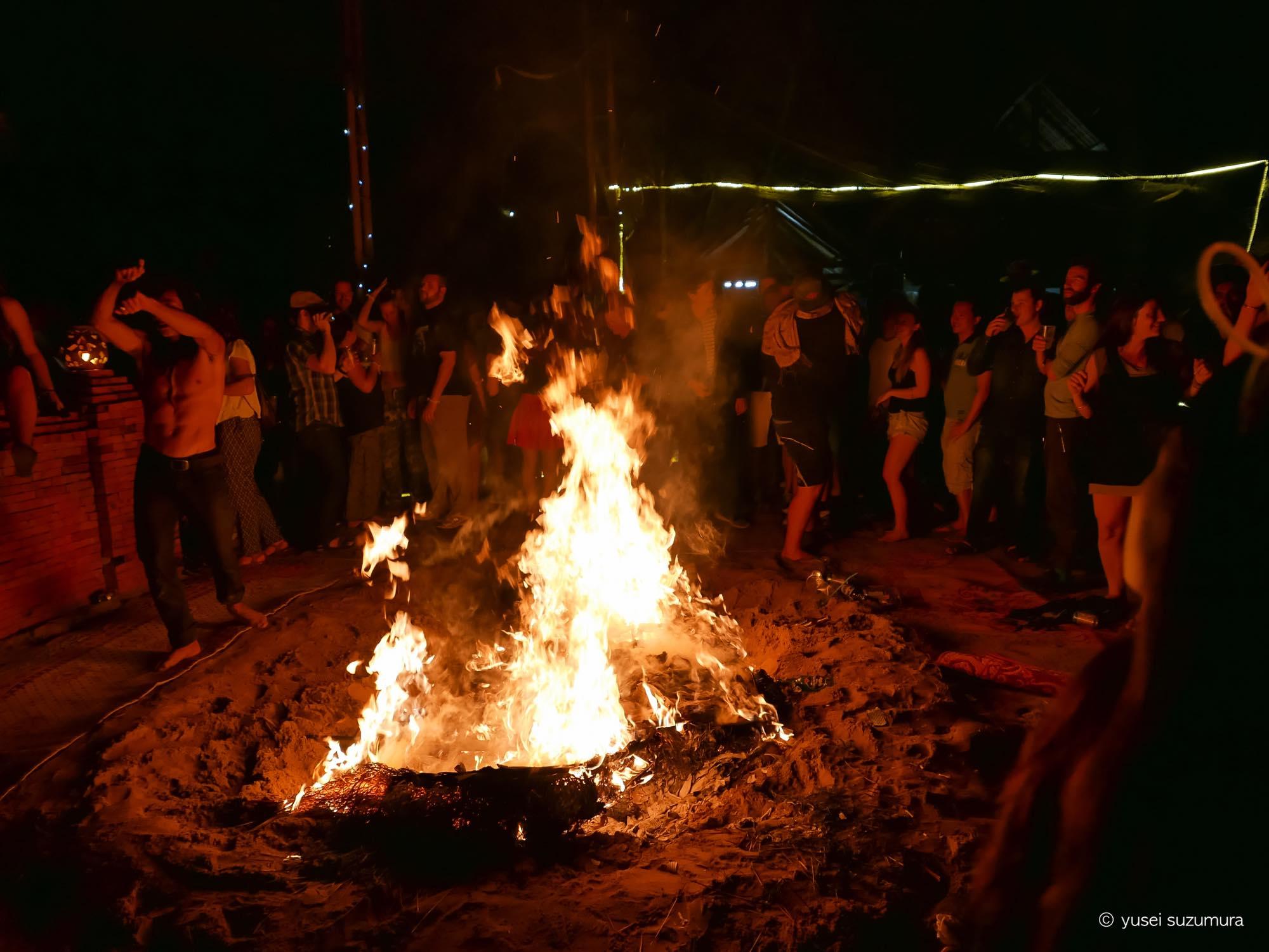ユートピア 焚き火