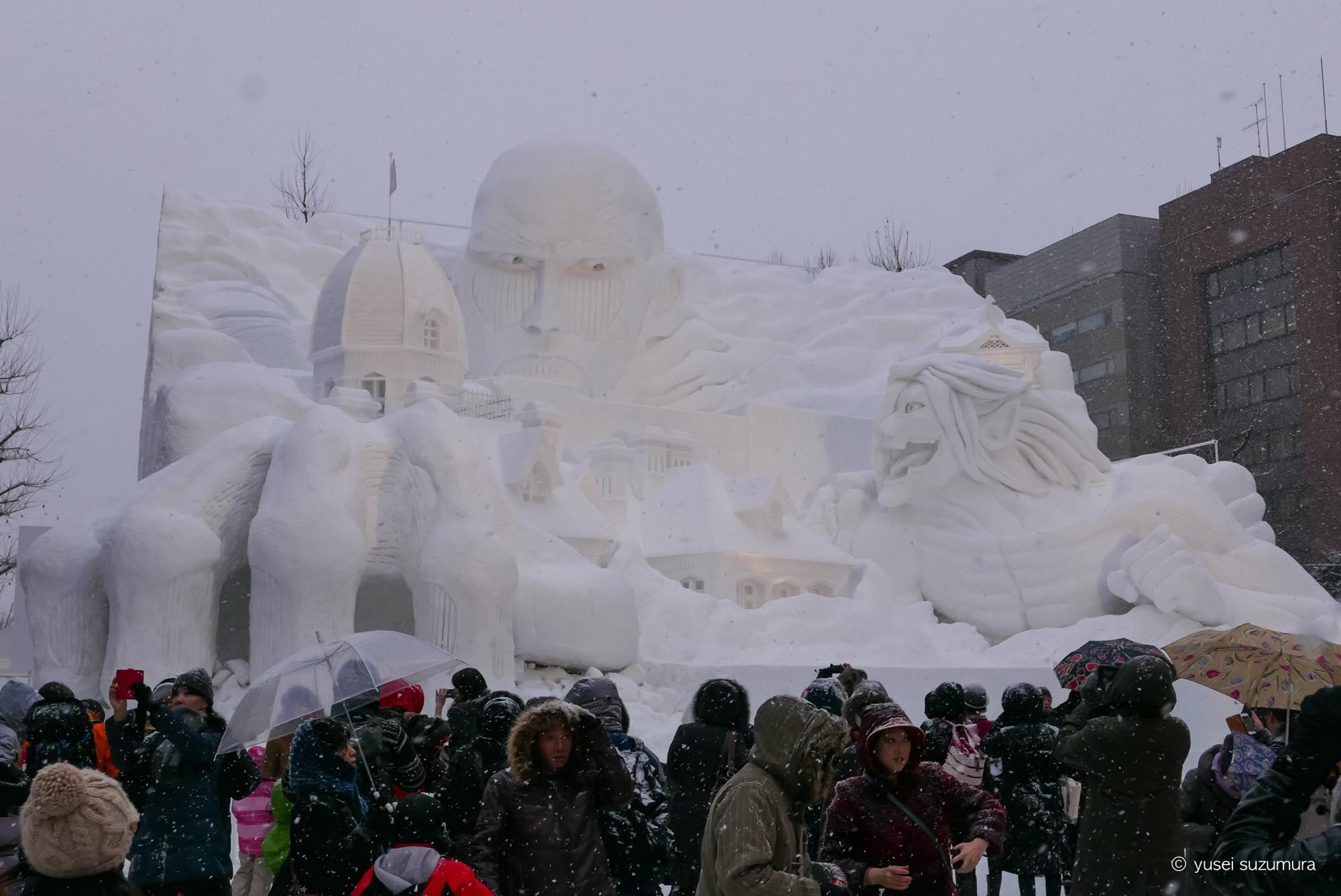 雪像 進撃の巨人
