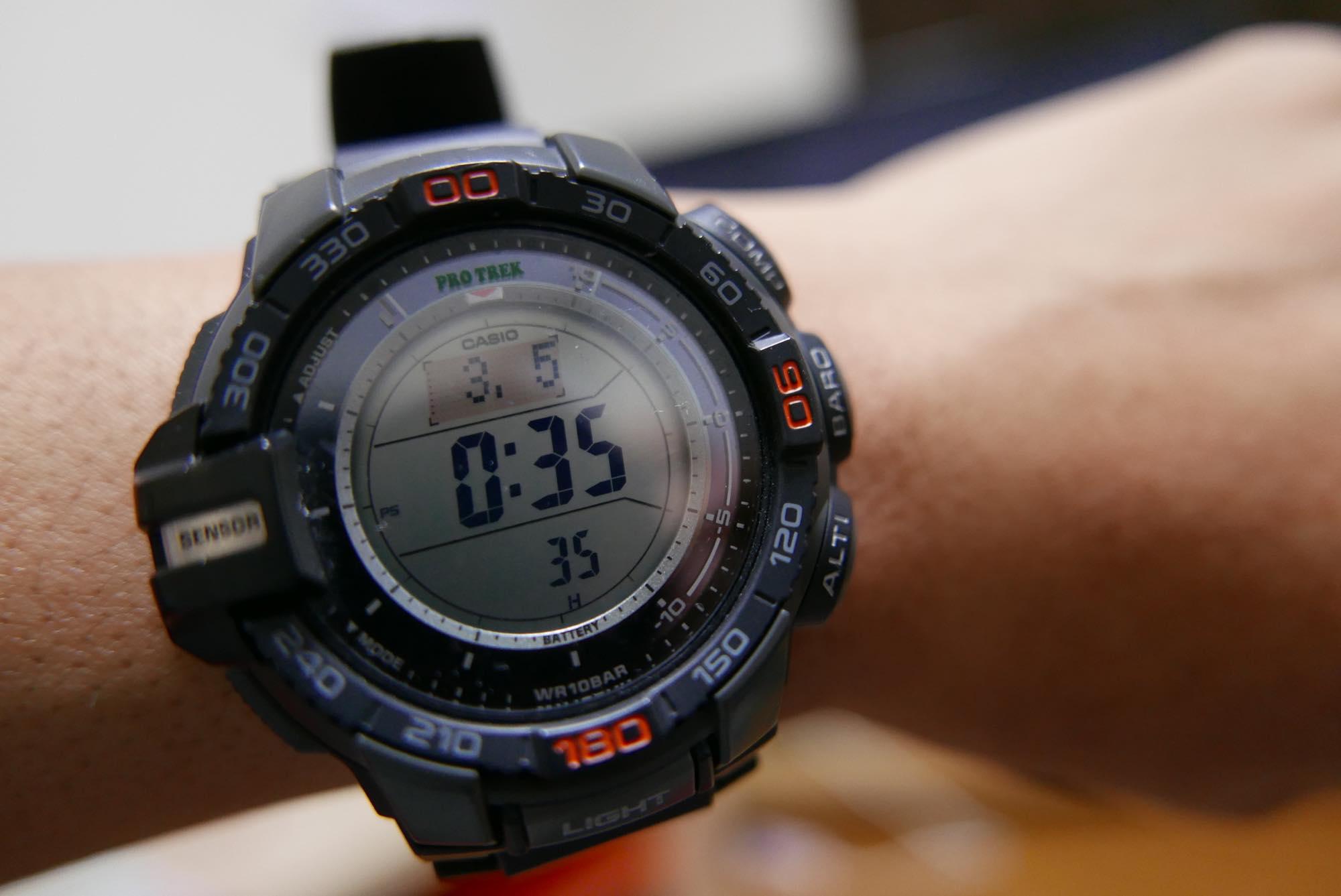 登山にもバックパック旅行にも最適!最強の腕時計PROTREK。