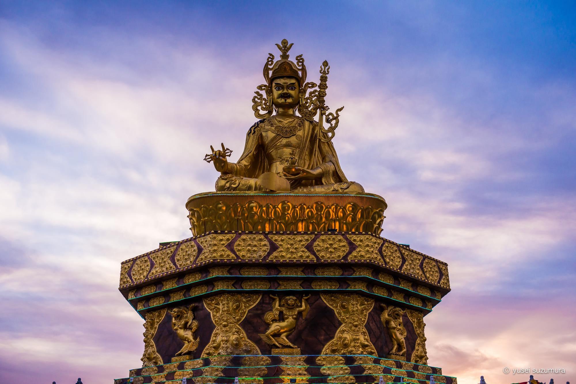 アチェンガルゴンパの仏像