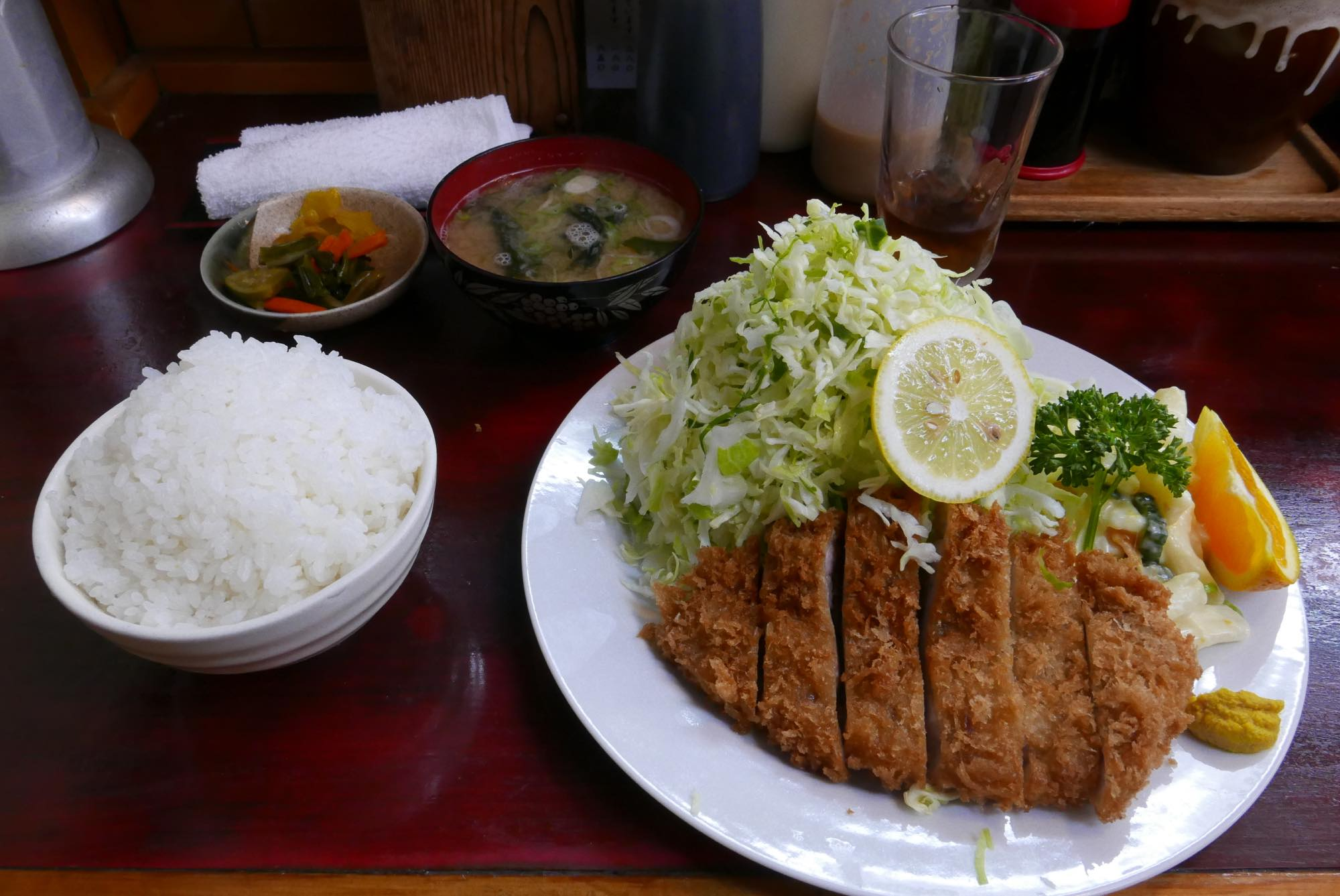 ロースカツランチ定食