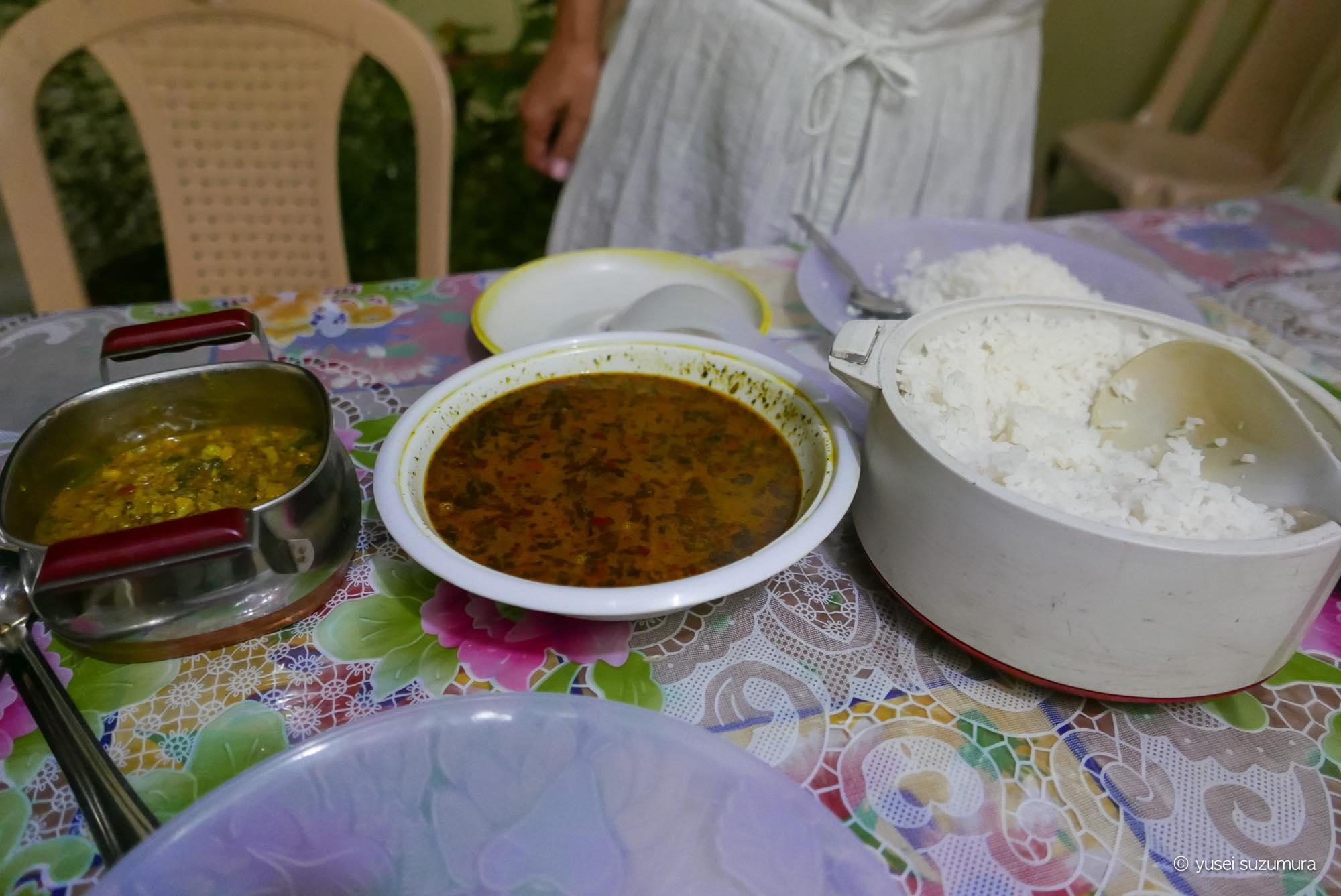 トゥルトゥク ご飯