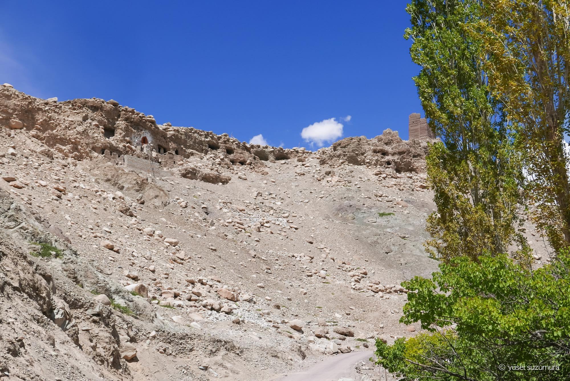 サスポル 洞窟