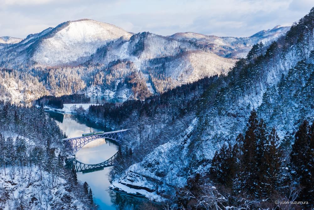 雪の中を走る幻想。福島・只見線を撮る。