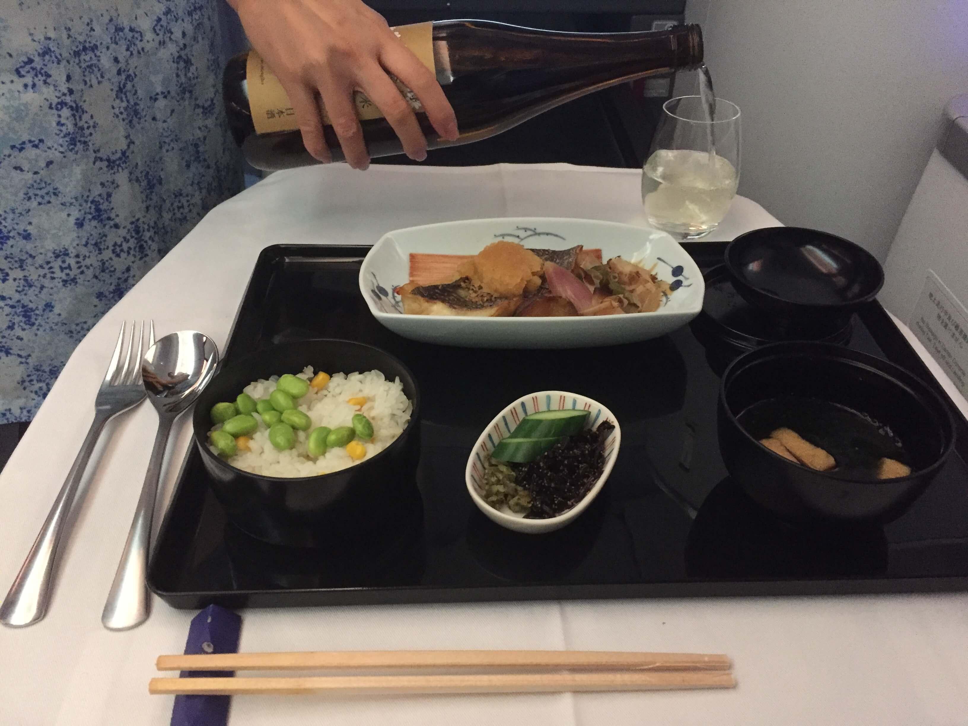 成田→メキシコシティのビジネスクラス「ANA BUSINESS STAGGERED」フルフラットシートの搭乗レビュー!