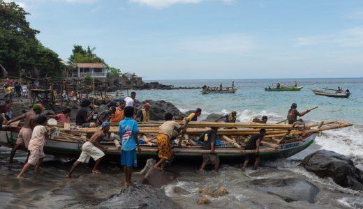 伝統捕鯨の村。インドネシアのラマレラ村の情報まとめ